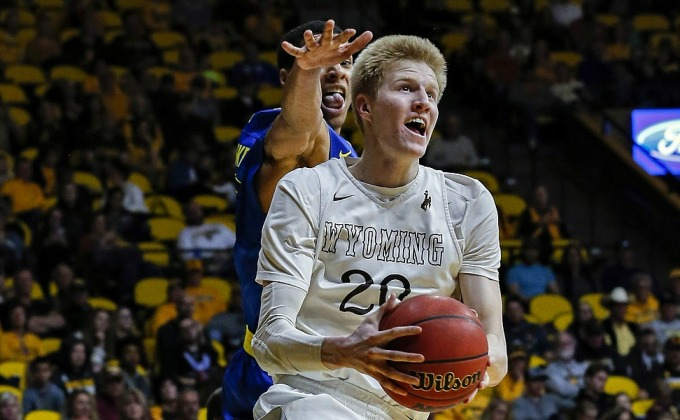 Former Wyoming Hoop Stars Sign Pro Contracts