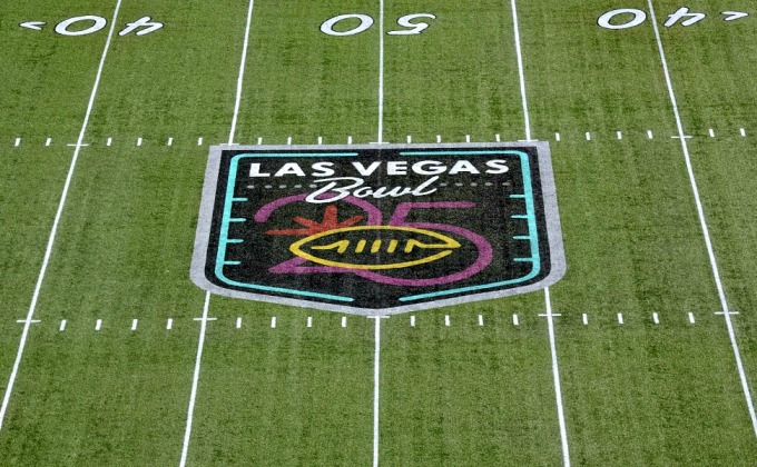 First Look At The Las Vegas Bowl: Boise State Takes On Washington