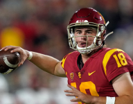 USC's JT Daniels Leaves Game vs. Fresno State With Knee Injury
