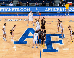 Wyoming Bounce Back On Monday To Split Series With Air Force